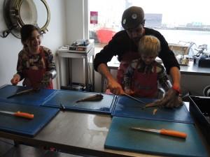 ailand5 300x225 'tAiland Lauwersoog gaat grote workshop visfileren elke maand aanbieden